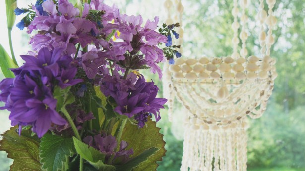 kukkaikkunalla